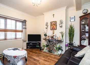 3 bed maisonette for sale in Lawn Lane, Cornerhall, Hemel Hempstead, Hertfordshire HP3
