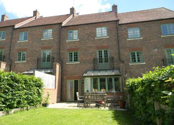 Thumbnail 4 bed town house to rent in Cowslip Meadow, Northchurch, Berkhamsted