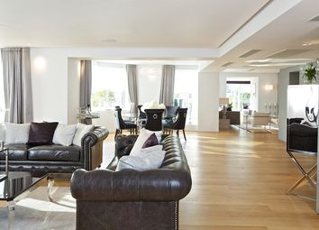 Thumbnail 4 bed flat to rent in Arlington Street, London