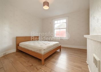 Thumbnail 3 bedroom flat to rent in Kingswood Road, London