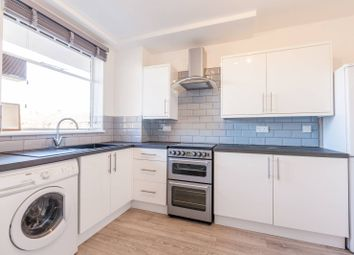3 bed maisonette to rent in Caldwell Street, Oval, London SW90Hf SW9