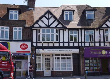 Station Approach, Hayes, Bromley BR2. 2 bed flat