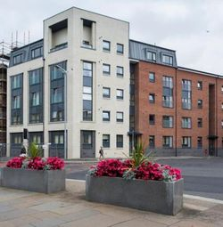 Thumbnail 1 bed flat to rent in Lawn Street, Paisley