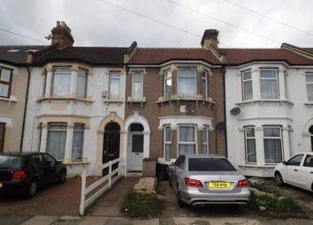 Thumbnail 2 bedroom flat for sale in Ilford, London, United Kingdom