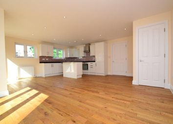 3 bed property to rent in Ealing Road, Brentford TW8