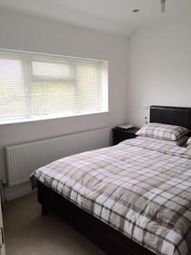 3 Bedrooms Flat to rent in Oakland Road, Hanwell W7
