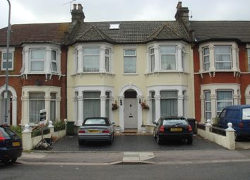 Thumbnail 3 bed flat to rent in Kingswood Road, Seven Kings, Ilford
