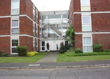 Thumbnail 2 bed flat to rent in Madeira Crescent, W.Byfleet
