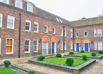 Oxford Road, Aylesbury HP19. 1 bed flat for sale