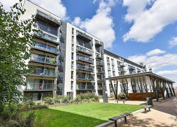 2 bed flat to rent in Station Approach, Hayes UB3
