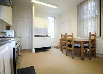 Thumbnail Room to rent in Room 5, Warwick Row