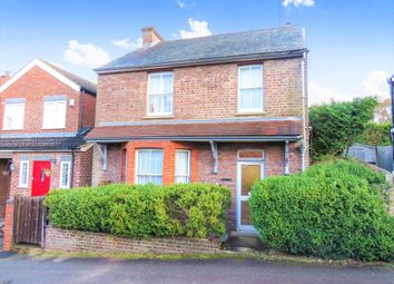 Thumbnail 3 bed detached house for sale in Park Mount, Harpenden