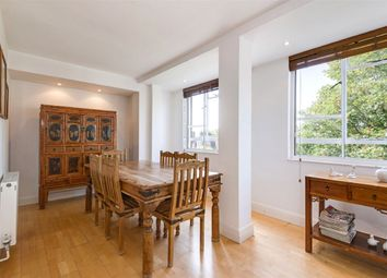 Thumbnail 3 bedroom flat for sale in Lindfield Gardens, Hampstead