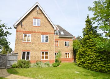 Thumbnail 2 bed flat to rent in Hanworth Road, Hampton