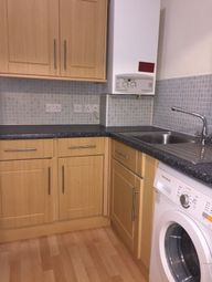 2 bed flat to rent in Baker Street, Stirling FK8