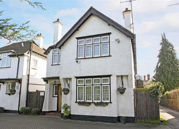 Thumbnail 5 bedroom property for sale in Bath Road, Taplow, Berkshire