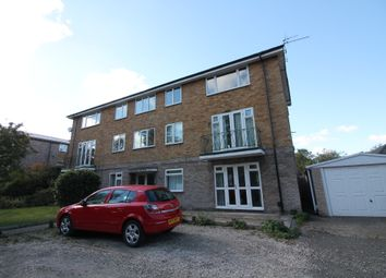 2 bed flat to rent in Guys Cliffe Avenue, Leamington Spa CV32