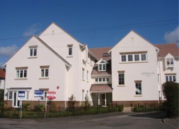 Thumbnail 3 bed flat to rent in Kingfield Road, Woking