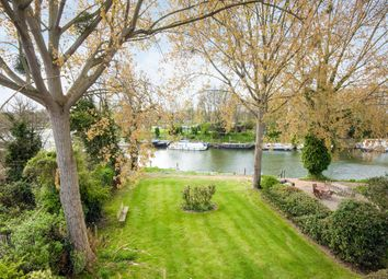 Thumbnail 2 bed flat for sale in Hampton Court Road, East Molesey