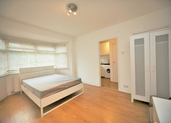 Thumbnail Studio to rent in The Vale, London