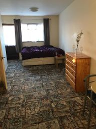 Thumbnail Room to rent in Freshwell Avenue, Romford, Essex