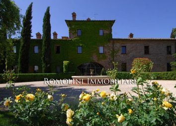 Thumbnail 9 bed villa for sale in Perugia, Umbria, Italy