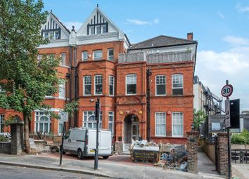 Thumbnail 3 bed flat to rent in Frognal, London NW3,