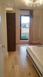 2 bed shared accommodation to rent in Trundleys Road 54B, London SE8
