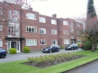 2 bed flat to rent in Wilmslow Road, Didsbury M20