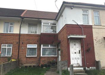 Thumbnail 2 bedroom maisonette for sale in Grantham Gardens, Chadwell Heath, Romford