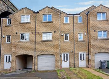 3 bed town house for sale in Dale View, Huddersfield HD3
