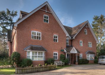 Thumbnail 4 bed flat for sale in Green Lane, Henley On Thames