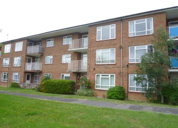 Thumbnail 2 bedroom flat to rent in Padnell Avenue, Cowplain, Waterlooville