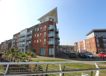 2 bed flat for sale in Compair Crescent, Ipswich, Suffolk IP2