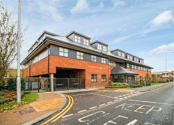 Thumbnail 2 bedroom flat for sale in Great North Road, Hatfield