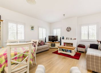 Thumbnail 2 bedroom flat to rent in Meadowside, Richmond
