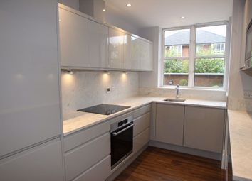2 bed flat to rent in Worple Road, Wimbledon, London SW19