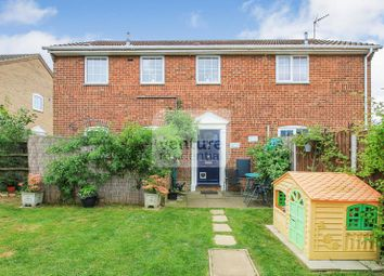 Thumbnail 1 bed maisonette for sale in Skua Close, Luton