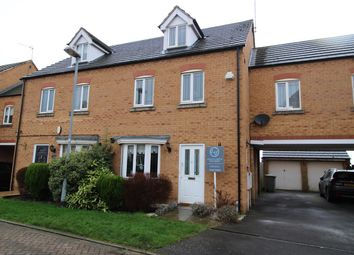Thumbnail 4 bed town house for sale in Swinderby Close, Newark, Newark
