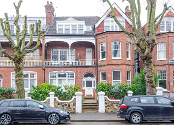Queens Avenue, London N10. 1 bed flat for sale