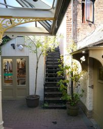 Thumbnail Studio to rent in High Street, Cheltenham