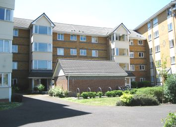 2 bed flat to rent in Winslet Place, Oxford Road, Tilehurst, Reading RG30