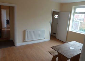 Thumbnail Room to rent in Fairholme Drive, Mansfield, Notts