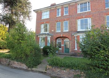 Ashford Road, Tenterden TN30. 2 bed flat