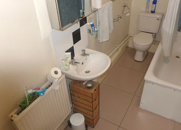 Thumbnail 2 bed flat to rent in Camberwell Road, London