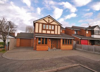 Thumbnail 5 bed detached house for sale in Stainforth Close, Nuneaton