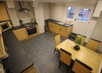Thumbnail 5 bed terraced house to rent in Richmond Avenue, Hyde Park, Leeds
