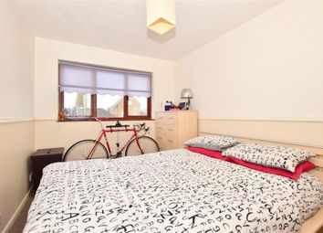 2 bed flat for sale in Trinity Road, Gravesend, Kent DA12