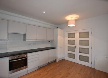 2 bed flat to rent in Bath Street, Bath BA1