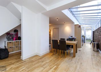 Thumbnail 2 bed flat to rent in Mansfield Road, Hampstead Heath, London